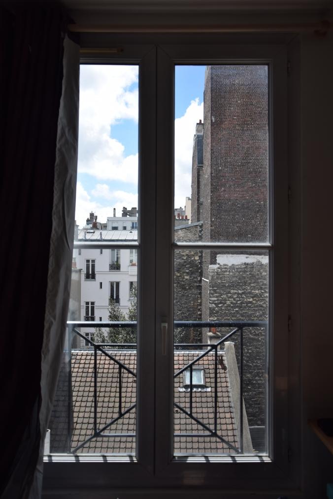 A janela e o mundo.